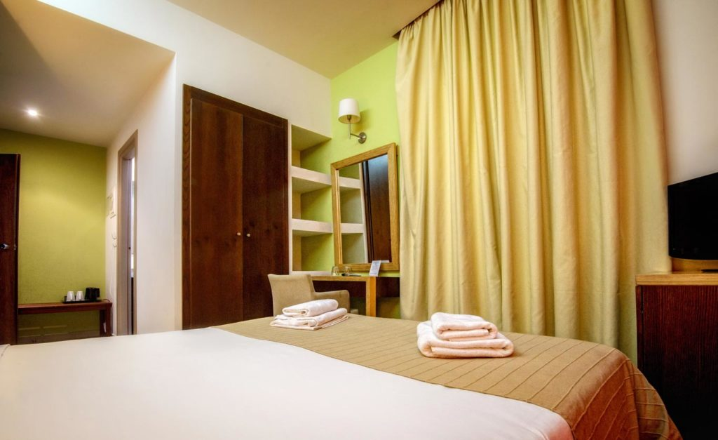 Double_Twin Room 4 - Iraklion Hotel - Hotel in Heraklion Crete