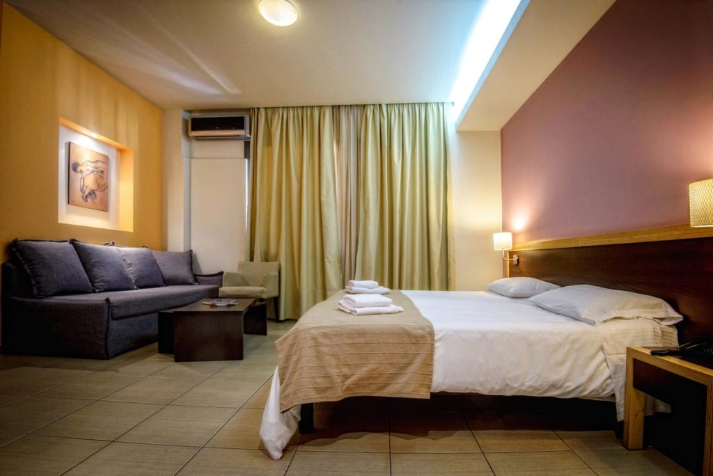 Triple Room 2 - Iraklion Hotel - Hotel in Heraklion Crete